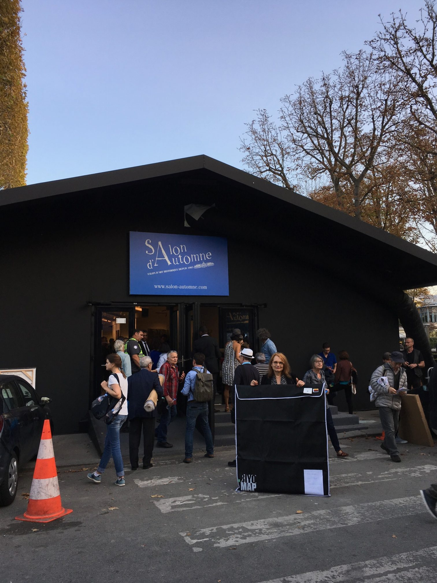 Ursula schregel beim salon d 39 automne in paris 2017 for Salon paris 2017